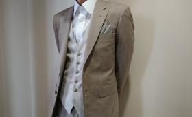 スーツ〈DORMEUIL〉