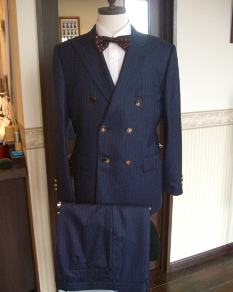 スーツ(クリフォード)