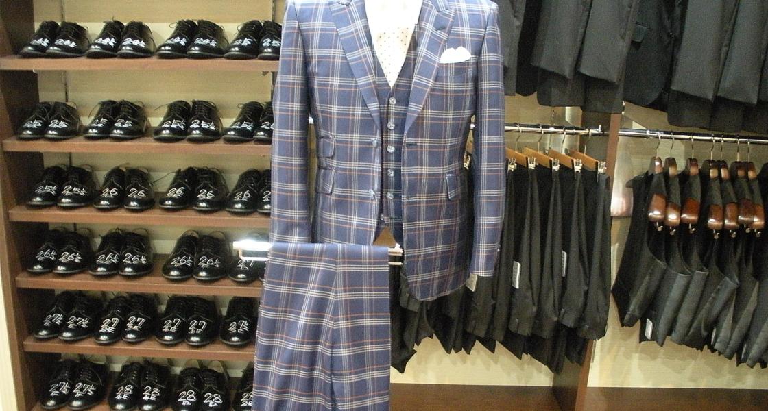 スーツ 〈ビエレッシ〉
