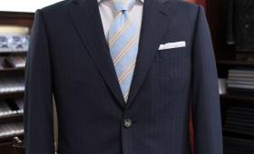 スーツ<ダンヒル>