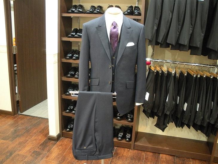 スーツ 〈チェルッティ〉