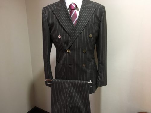 スーツ(ダロウ・デイル)