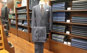スーツ〈  BIELLESI  〉