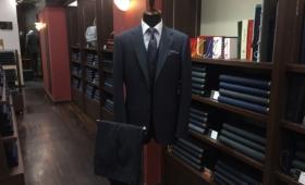 3Pスーツ<TALLIA DI DELFINO(タリア ディ デルフィノ)>