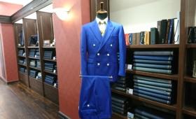 ダブルブレストスーツ〈カノニコ〉