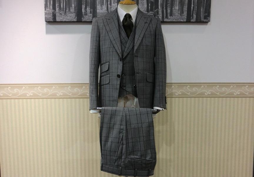 スリーピーススーツ〈Biellesi〉