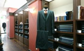 3Pスーツ〈Taylor & Lodge〉