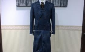 ダブルブレストスーツ〈CANONICO〉